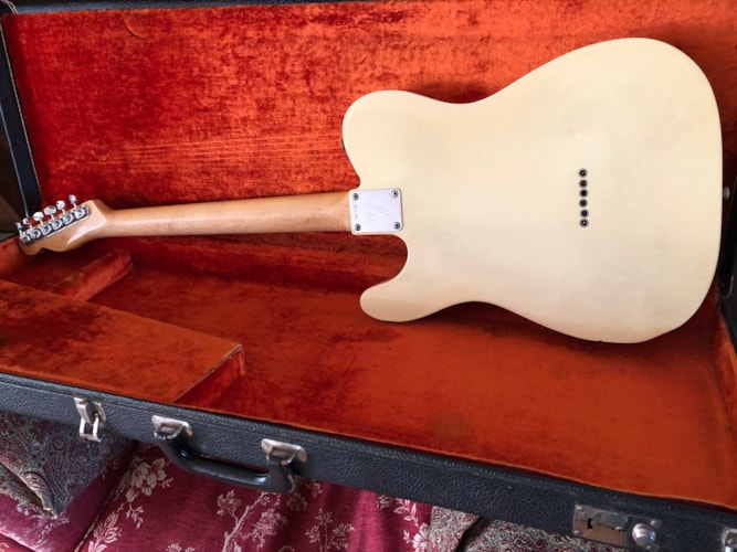 Fantastic Fender Telecaster in custom color Olympic White