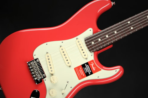 Fender2019 Limited Edition American Professional Stratocaster, Solid Rosewood Neck - Fiesta Red