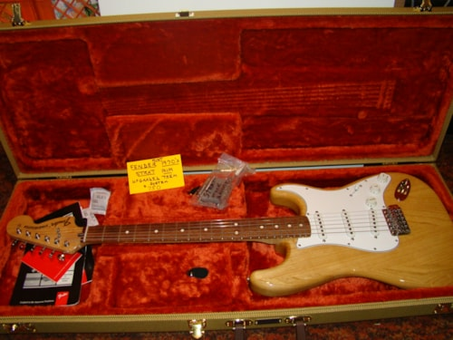 9852661f0f3 Fender 70's Strat (Made In Mexico), Case Candy Natural > Guitars ...