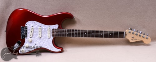 FENDER American Deluxe Stratocaster - Red with Hardshell Case () Excellent, $1,199.00
