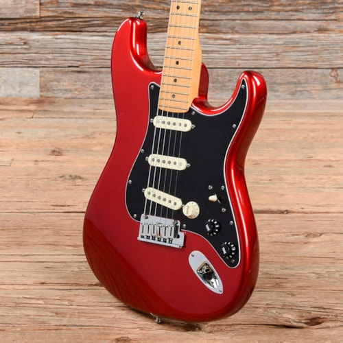 Fender American Deluxe Stratocaster V Neck Candy Apple Red 2010