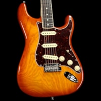 Fender American Pro Stratocaster Limited Edition Channel-Bound Neck Honeyburst