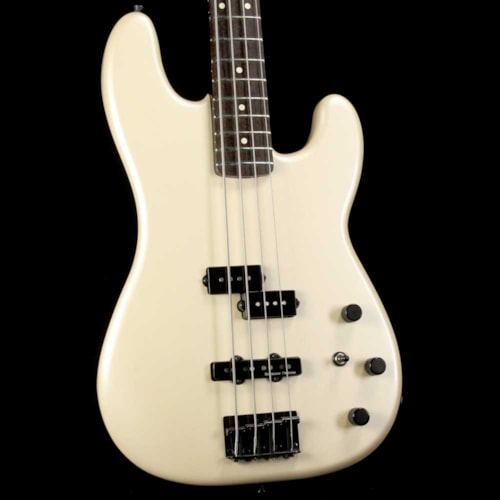Fender Artist Series Duff McKagan P-Bass Pearl White Brand New