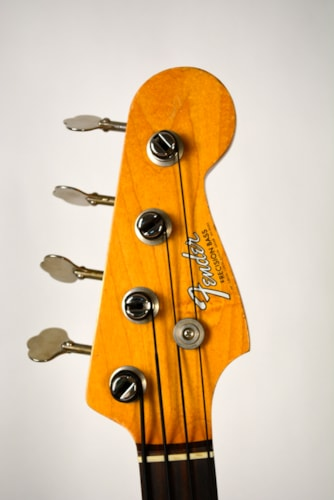 Fender Candy Apple Red Precision Bass (Jan. 1967)