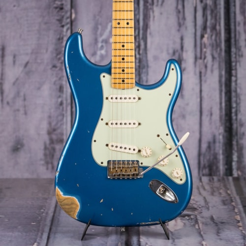 Fender CS Vintage Strat, Heavy Relic, Lake Placid Blue > Guitars Electric  Solid Body | Replay Guitar Exchange