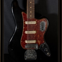 Fender Custom Shop Limited Edition Relic 60s Bass VI in Black