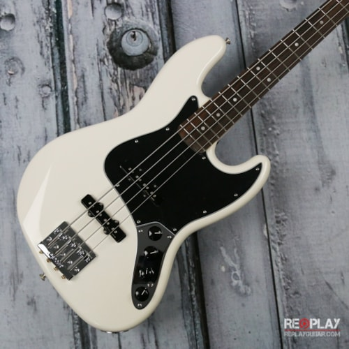 Fender Deluxe Active Jazz Bass - Olympic White Brand New, $874.99