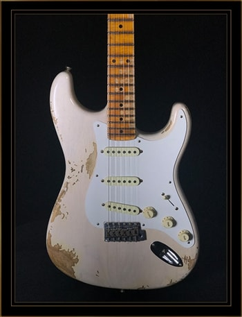 Fender Fender Custom Shop 1958 Stratocaster® Heavy Relic® with Maple Fingerboard in Aged White Blonde