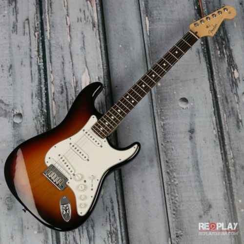 Fender Fender USA VG Stratocaster w/Roland Pickup (Sunburst) Very Good, $899.99