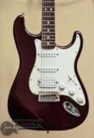 FENDER Mexican Stratocaster - Midnight Wine ()