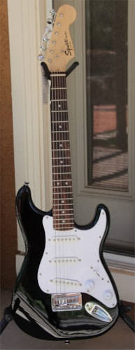 Fender Squier Mini Stratocaster - Mini Strat - with full factory warranty - Floor Model