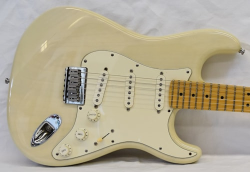 Fender  USA Hard Tail Stratocaster White Blonde