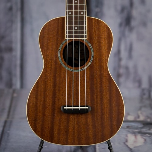 Fender Zuma Concert Ukulele, Natural Brand New $139.99