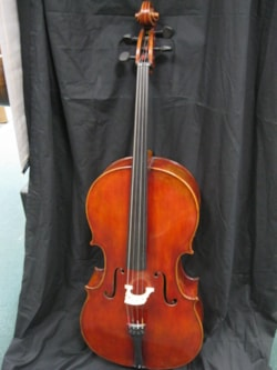 Francesco Moretti Cello