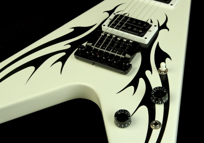 Gibson 2009 Gibson Limited Edition Tribal V Black Graphic Electric Guitar Satin White Black Graphic Satin White, Excellent, $1,499.00