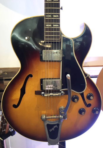 Gibson ES-175D Sunburst 1964 Archtop Hollowbody Cutaway Electric Guitar w/Case (Pre-Owned)