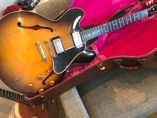 Gibson ES-335 1958 Dot Neck AMAZING CONDITION w/ MINT pink Lifton Case!!!