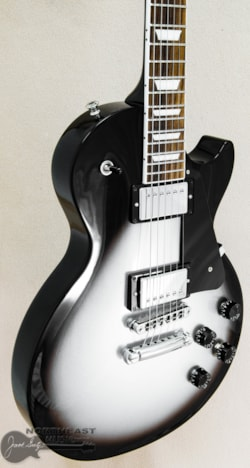 GIBSON Limited Edition Les Paul Studio Deluxe Silverburst -