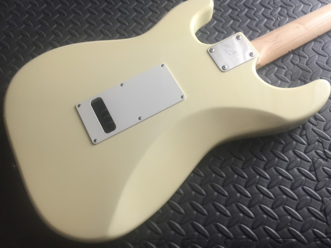 G&L Guitars by Leo Legacy Blonde Rosewood SSS Sweet! Blonde/Olympic White, Mint, Hard