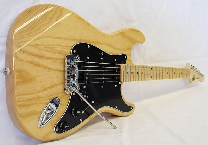 G&L Tribute Legacy Natural, Brand New