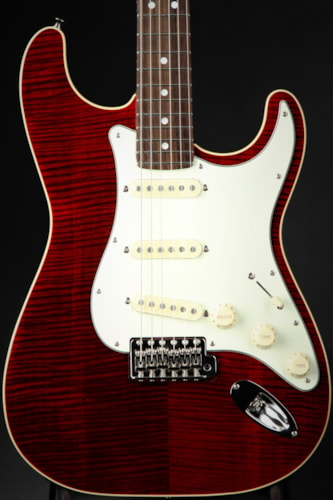 Fender Limited Edition Aerodyne Classic Stratocaster Flame Maple Top - Crimson Red Transparent