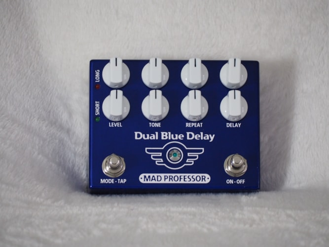 Mad Professor Deep Blue Delay Blue Showroom Demonstrator Full Factory Warranty