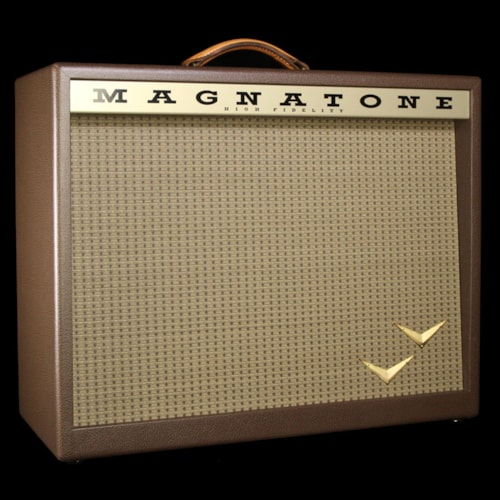 """Magnatone Traditional Collection 2x10"""" Electric Guitar Amplifier Cabinet Brown"""