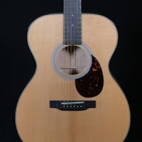 Martin Custom Birdseye Maple 000-14 Fret with VTS Sitka Spruce Top