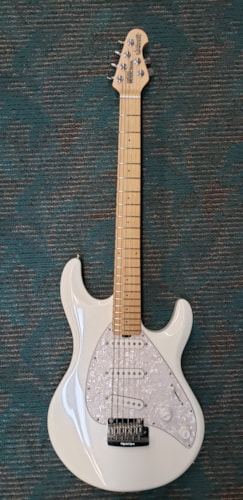 Music Man Silhouette Special Vintage White
