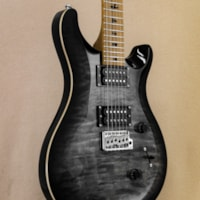 PAUL REED SMITH PRS SE Custom 24 - Roasted Maple Limited Edition Charcoal Burst (s/n: 9498)