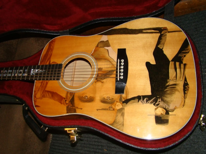 RICH & TAYLOR/GIBSON!! Outlaw Series: Tomstone/Western Museum!? Mint, Original Hard