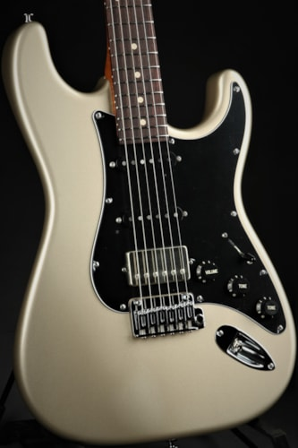 Suhr Limited Edition Classic S Metallic - Champagne Metallic