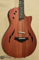 Taylor T5z Classic Electric/Acoustic Hybrid Guitar ()