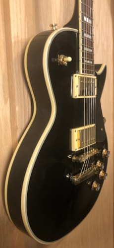 unknown In the style of a Les Paul Custom Black