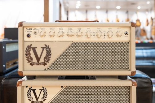 Victory Heritage Series V40 Head with V212-VCD Open Back Cabinet - Cream Bronco / Salt and Pepper Grille