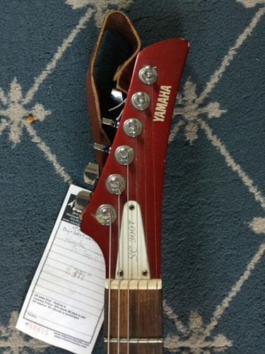 Yamaha SC-300T Candy Apple Red, Excellent