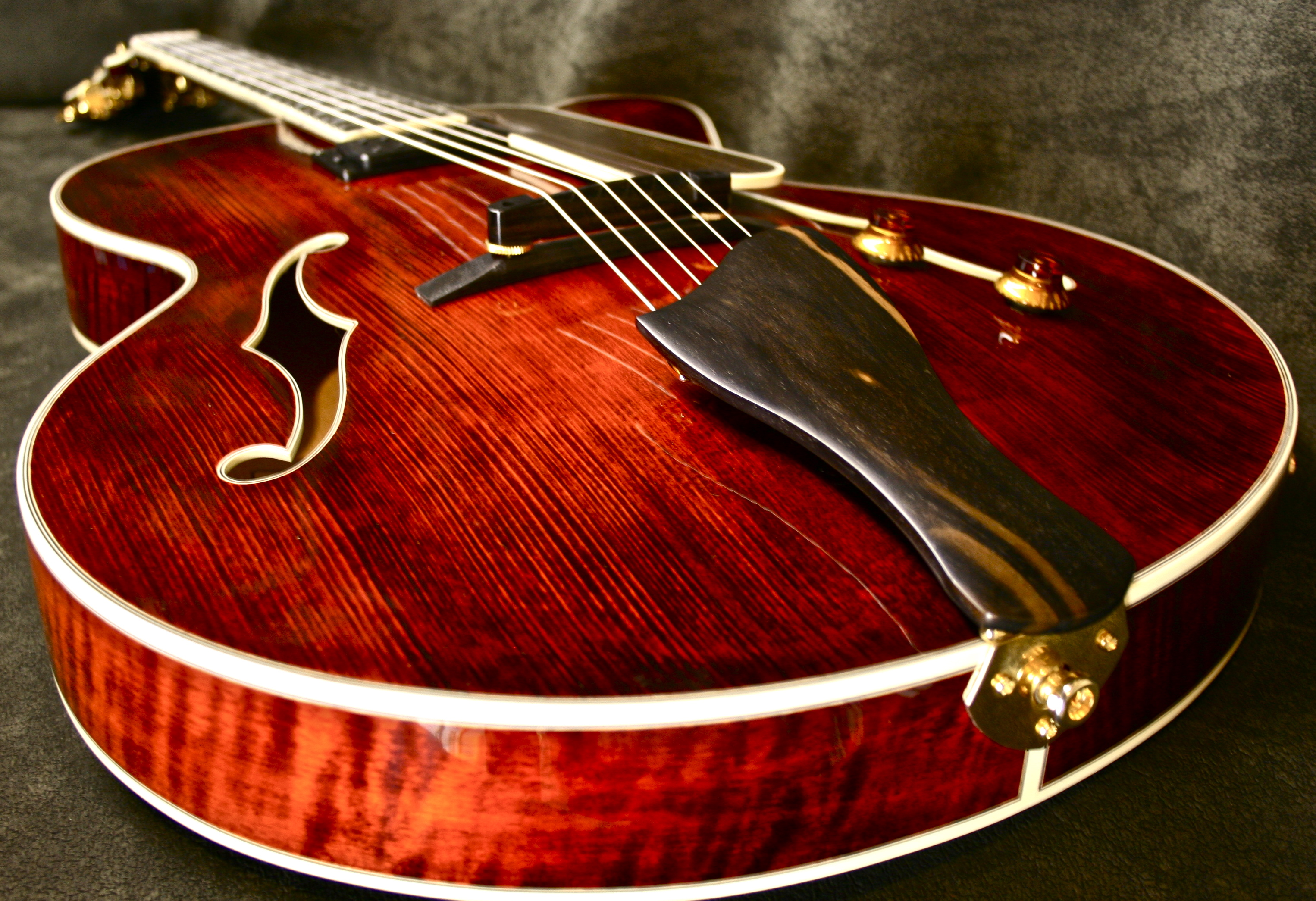 2010 Eastman JAZZ 16 CUSTOM 7 ARCHTOP 5398 TRANSLUCENT RED ...