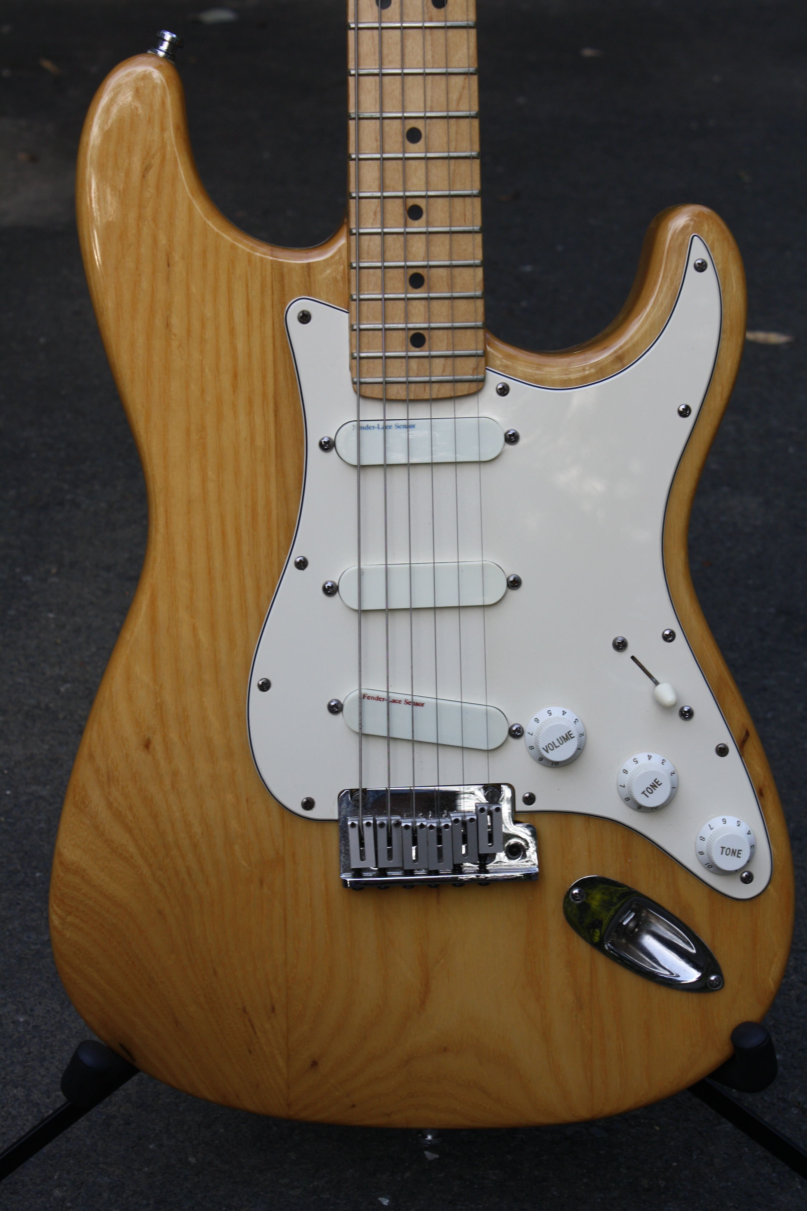 1989 fender stratocaster plus deluxe natural guitars electric 1989 fender stratocaster plus deluxe sold description freerunsca Choice Image
