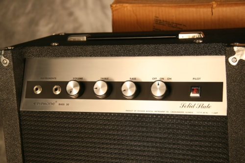 1971 Epiphone Bass 30 Solid State Amp