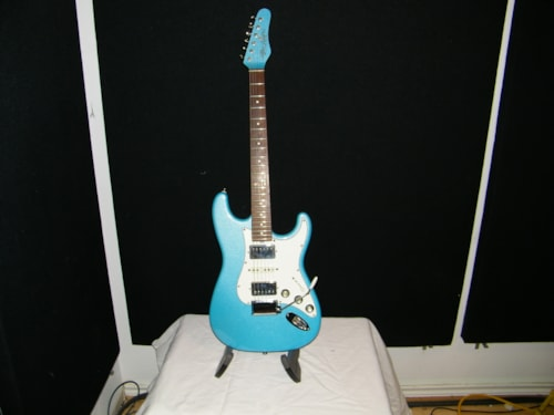 2000 Alleva Coppolo super Strat® with tom holmes pick ups
