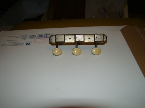 Grover Tuners/deluxe/3 on side Tailpiece
