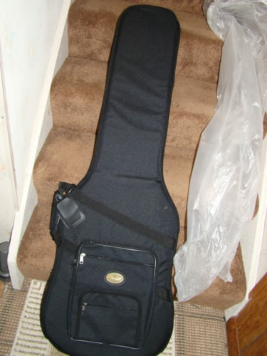 Fender® Deluxe Bass Gig Bag