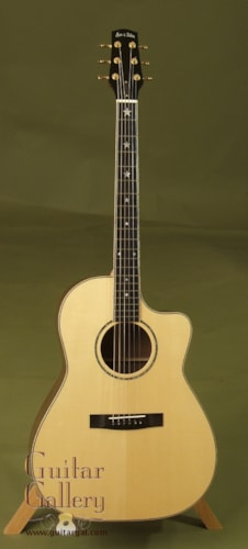 2002 Huss & Dalton CM Custom on SALE