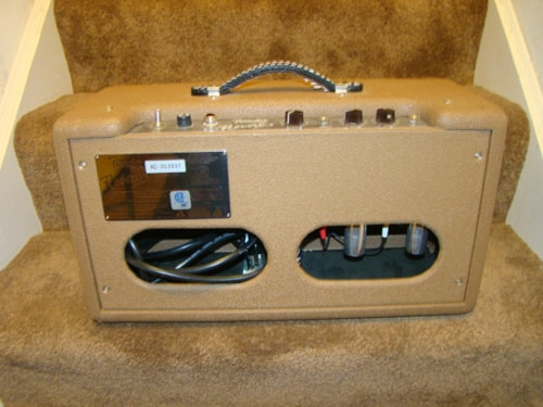 Fender® RI Reverb Unit