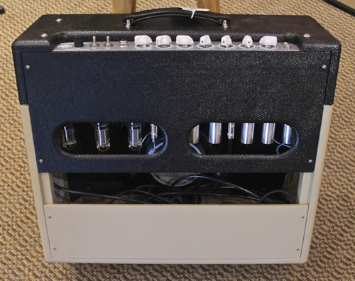 Victoria Amplifiers Silver Sonic 1x12' Combo
