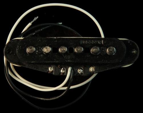 Fender® Hot Noiseless™ Stratocaster® Neck And Middle Pickup
