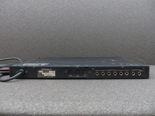 ~1988 Roland D-110 Multi-Timbral Sound Module