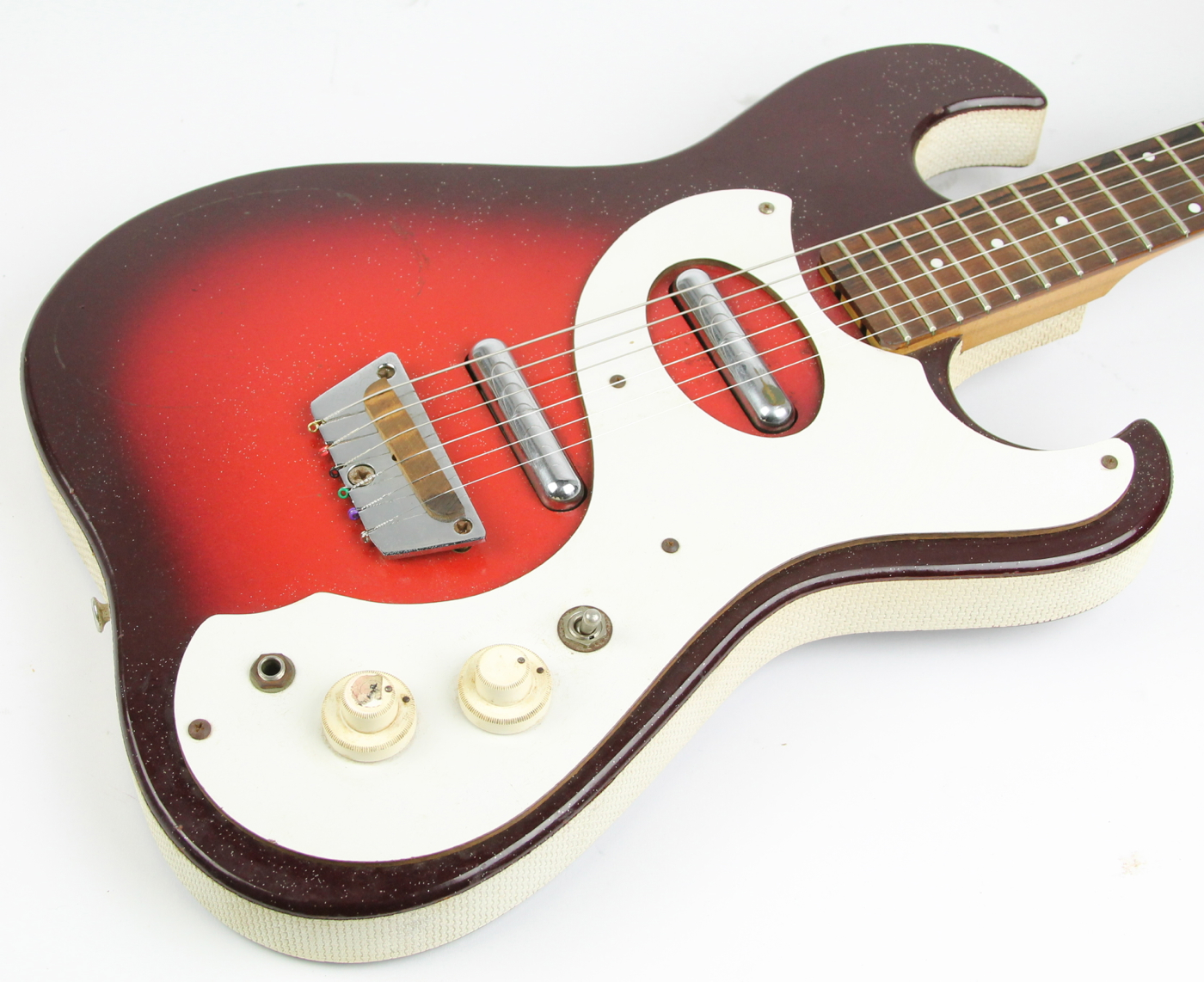 p2_u5lfhxej2_so 1966 silvertone 1457 amp in case red burst \u003e guitars electric solid