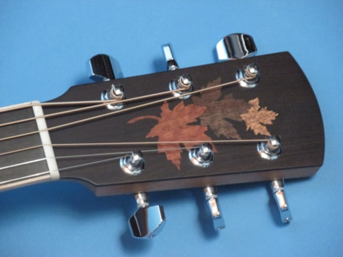 Larrivee LV-03 Walnut Maple Leaf Ltd. Ed.