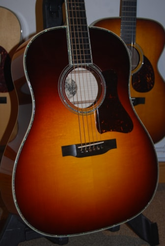 Collings CJ42 Maple/Adirondack